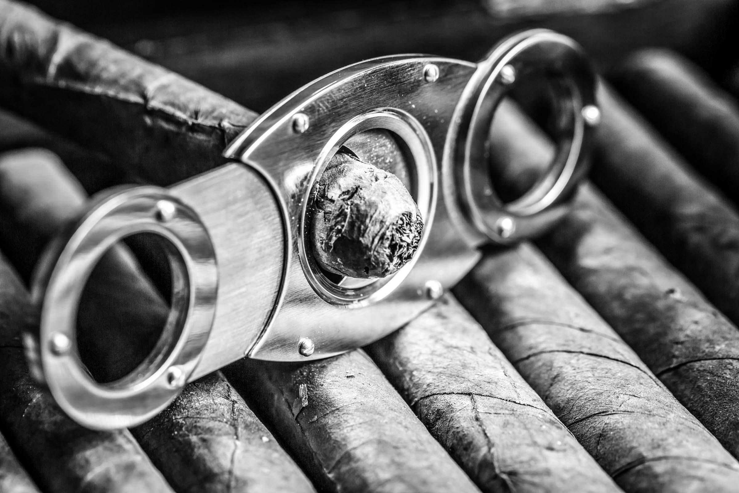 Zigarrendreher | Zigarrenroller | Tabak | Kuba | Deckblatt | Zigarre | Handgedreht | Havanna | Bandarole | Umblatt | Event | Buchen | Zigarrenmanufaktur