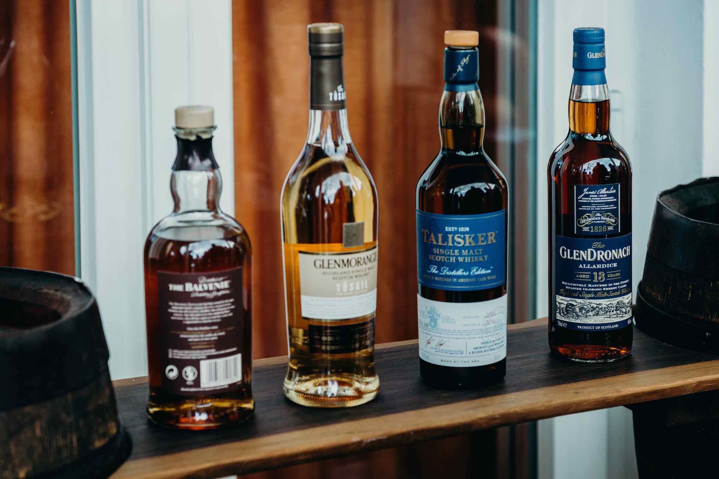 Zigarrenroller |Zigarrendreher | Handgefertigte |Zigarren |Messe |Event | Gala |Gents | Whisky | Rum | Bar |Tasting | Buchen | Mieten |Anfragen