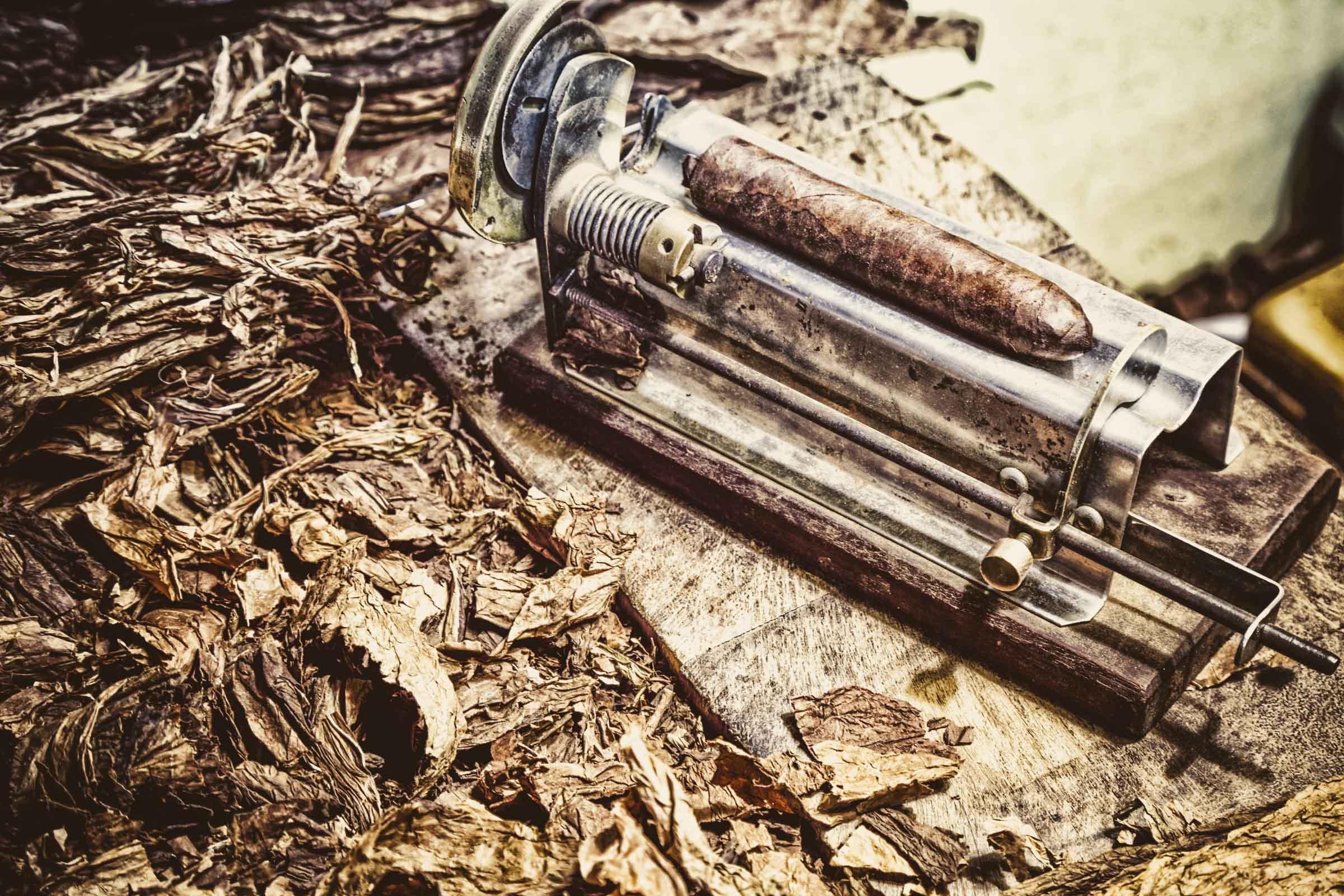 Zigarrenroller - Zigarrenschneider |Tabacco Cutter | Tabakblätter | Zigarrenblätter | Zigarrendreher | Messe | Event | Business