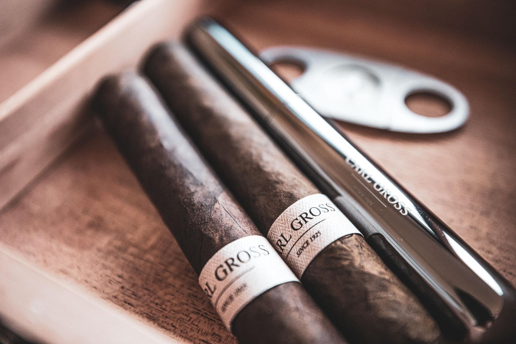 Zigarrenroller | Zigarrendreher | Zigarren | Marke | Herstellung | Design | Branding | Marke | Handgefertigt | Banderole | Label | Buchen | Kaufen | Own | Brand